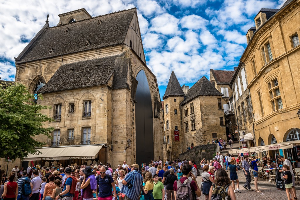 Sarlat, France: A Sandstone Gem That History Geeks Will Love
