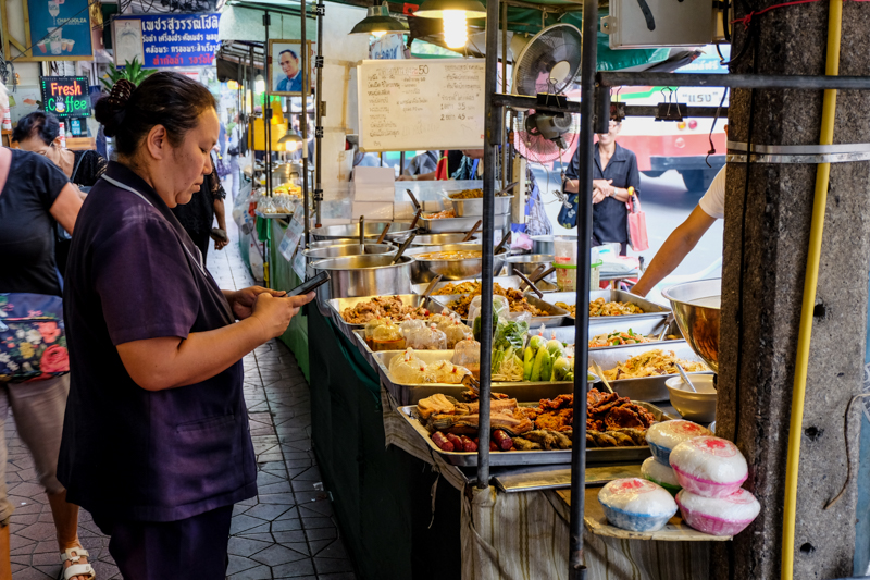 A Newbie's Food Guide On Where To Eat In Bangkok