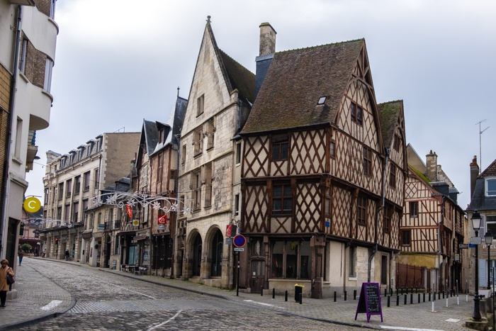 bourges, mercure, hotel, historic, town, cathedral, france, medieval, cobbled, streets, charming, rustic, accommodation, central, castle, palace, travellingbookjunkie,