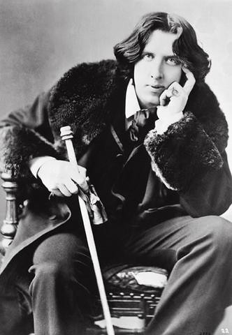 Oscar Wilde, Playwright and novelist that attended Oxford University.