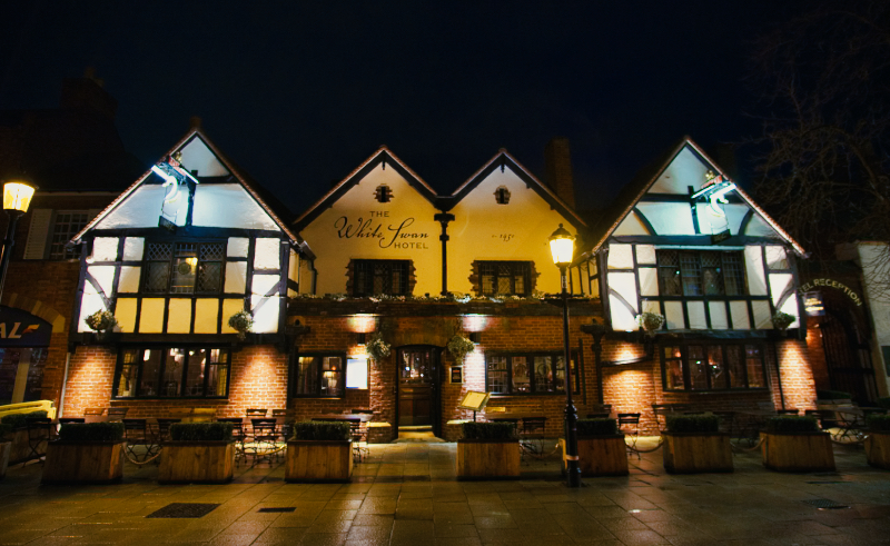The White Swan is one of the best places to stay when visiting Stratford-upon-Avon. Not only is it a pub so food is easy to obtain, it is also a hotel with every room named after a Shakespeare character.