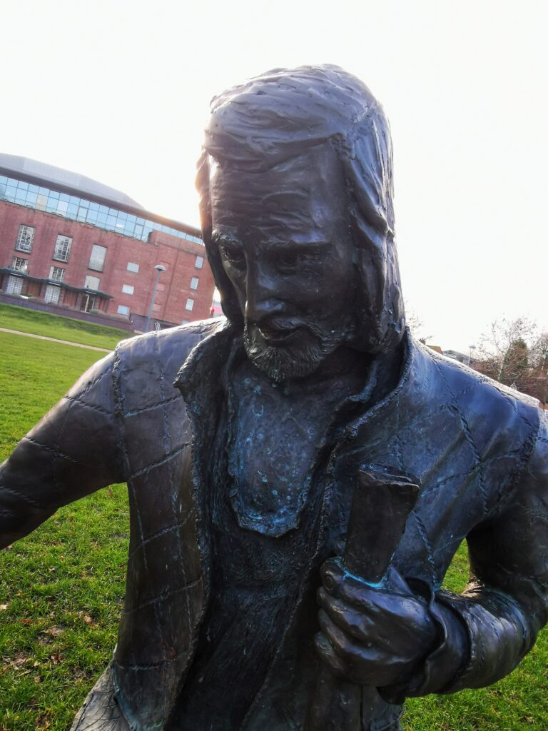 A Statue of Shakespeare outside of The RSC Theatre